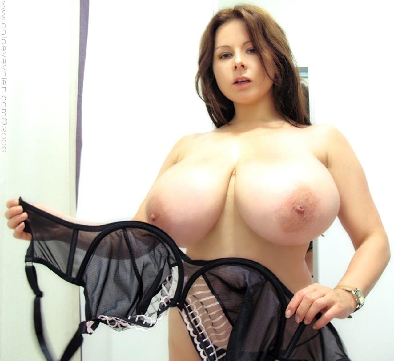 Chloe Vevrier Peitos Grandes (5)