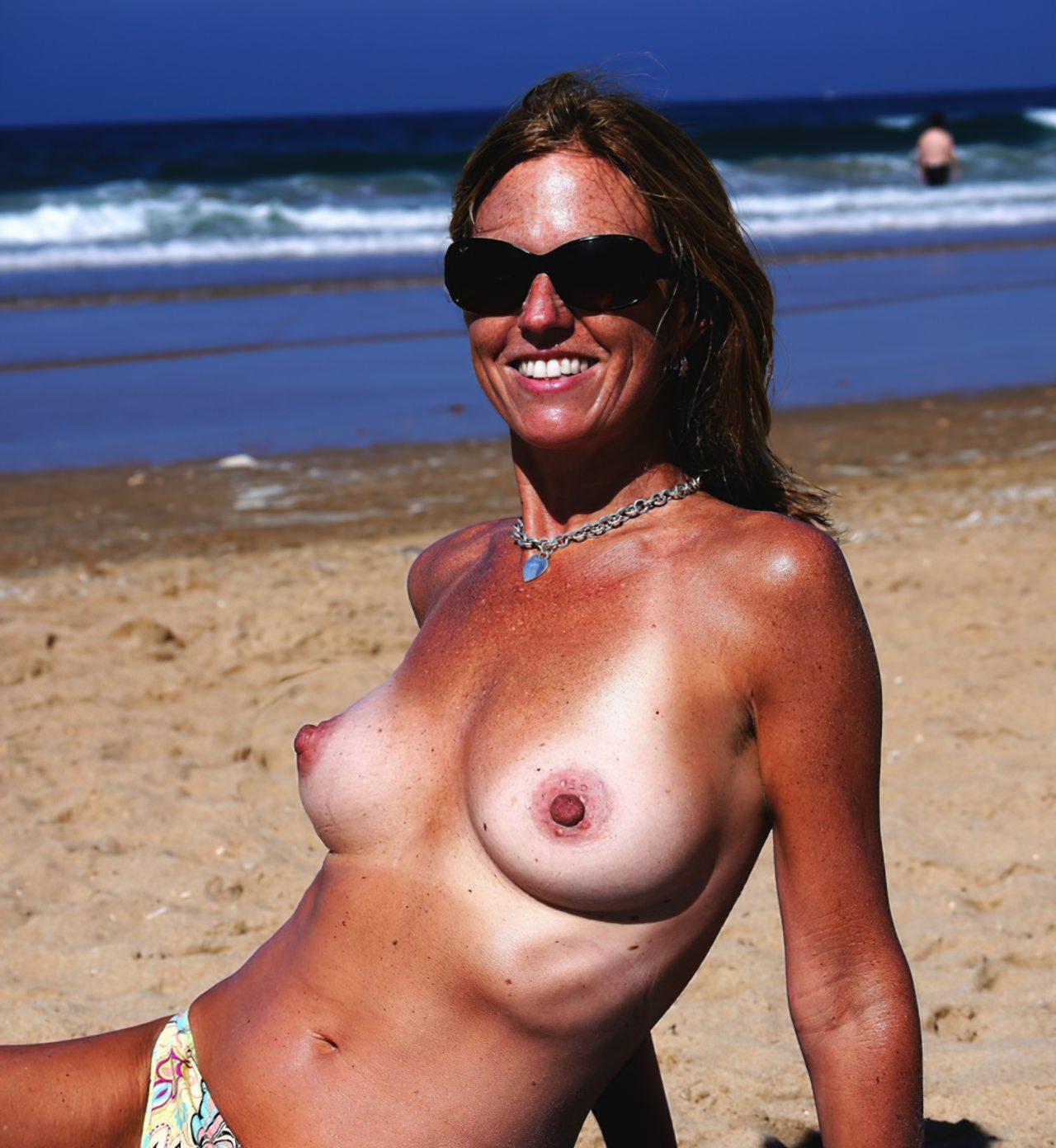 Madura Topless Praia (2)