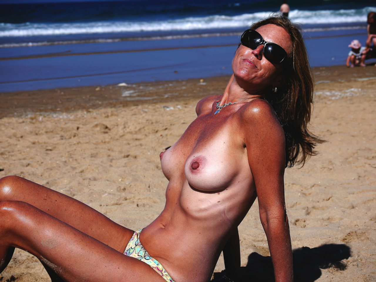 Madura Topless Praia (3)