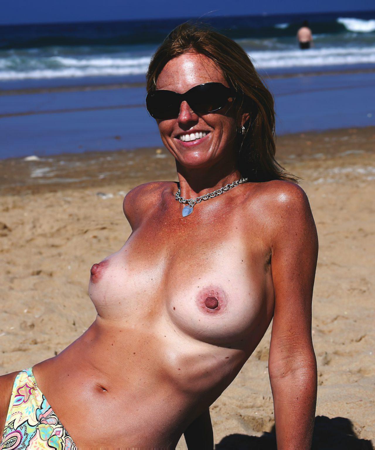 Madura Topless Praia (6)