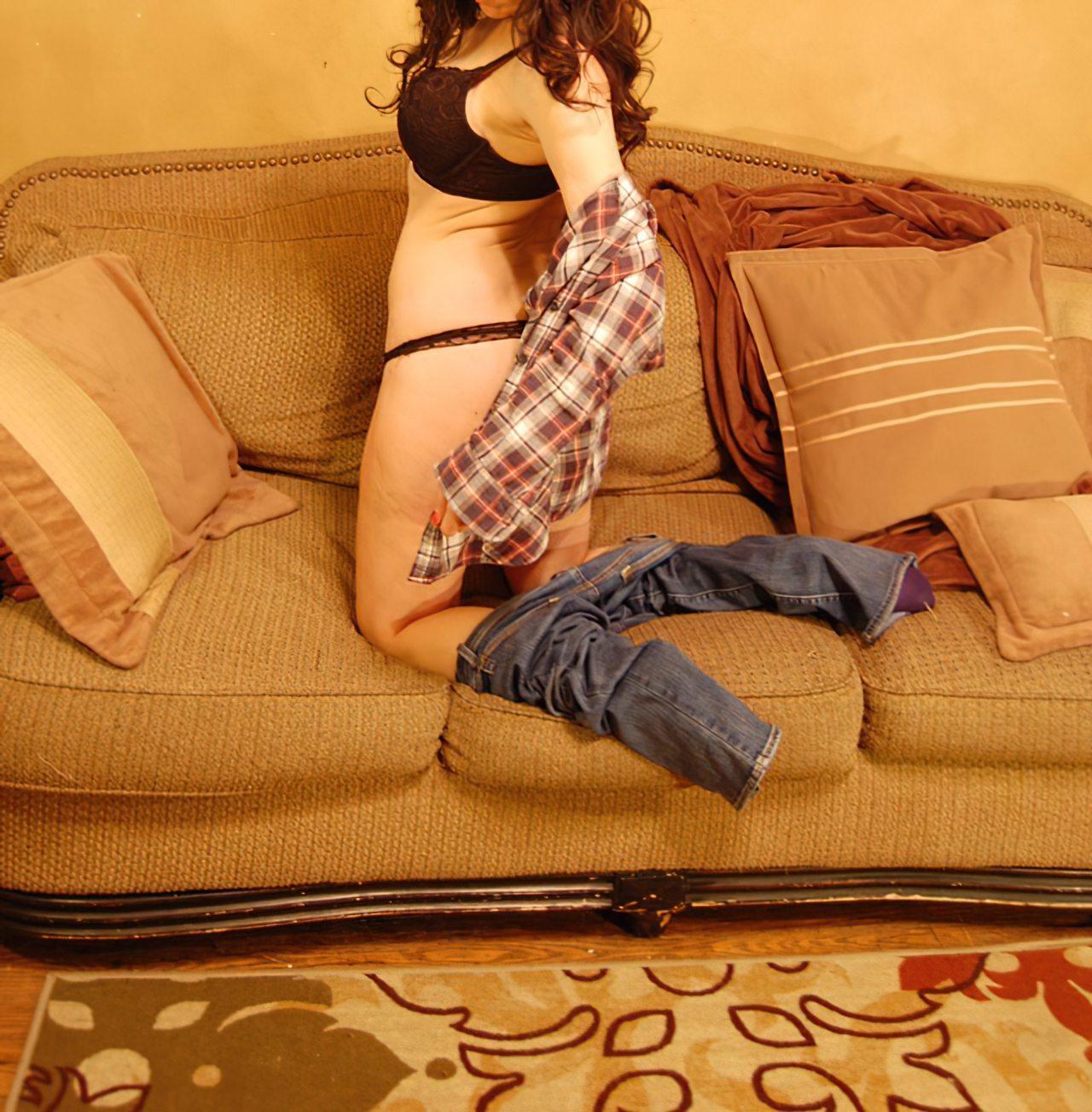 Amadora Sensual Despindo Roupa (10)