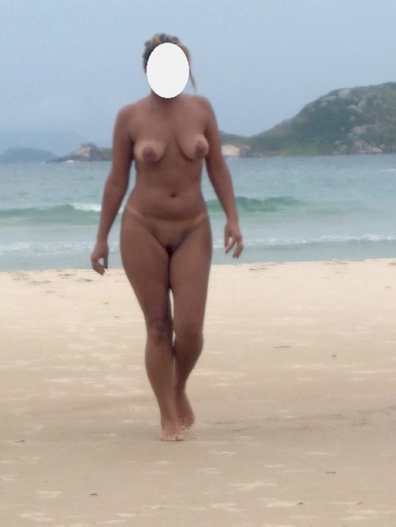 Esposa Praia Nudismo (2)