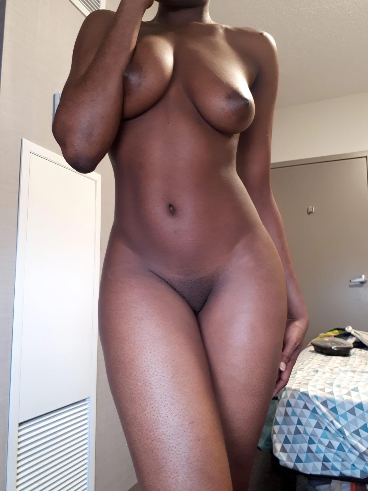 Negra Elegante