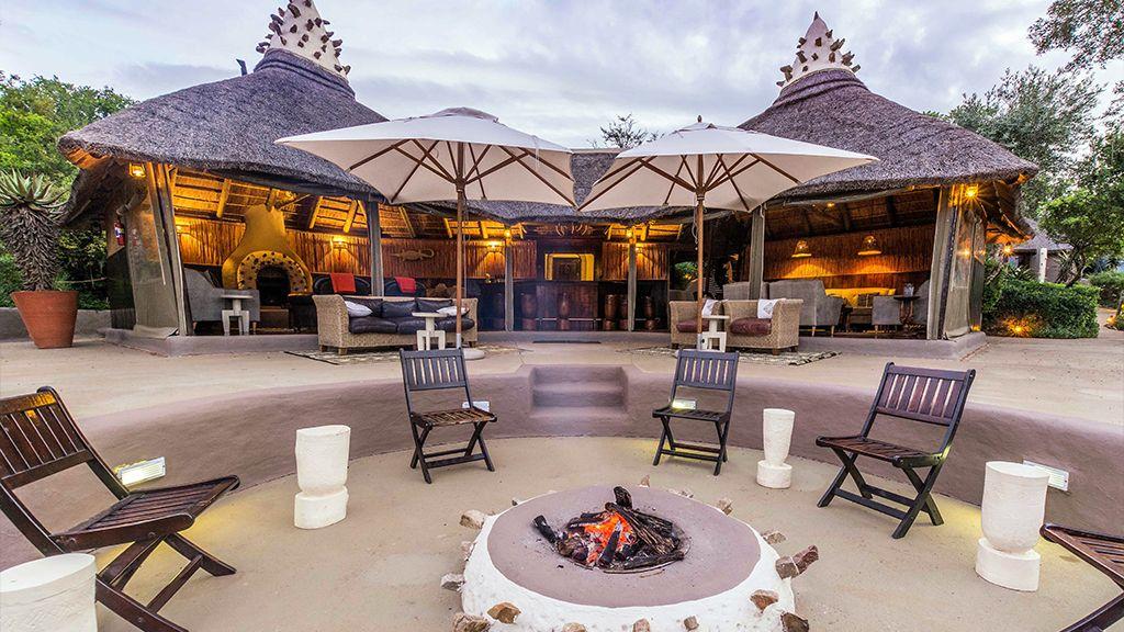Safari Lodge Fire Pit