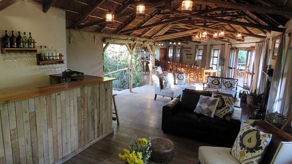 Woodbury Tented Camp Guest Bar Area
