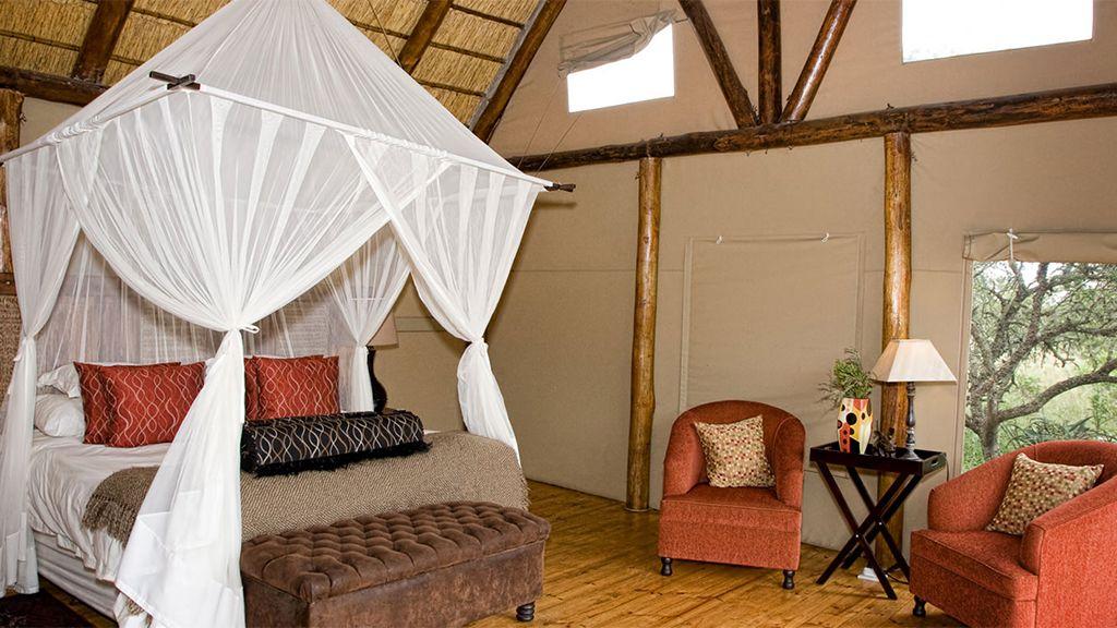 amakhala bush lodge luxury bedroom en suite