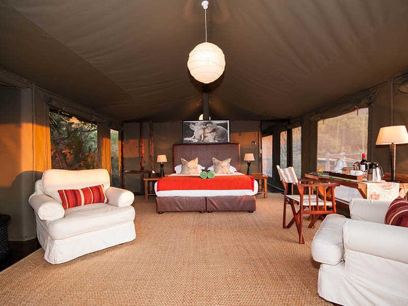 Hillsnek Safari   Accommodation   Tent Interior