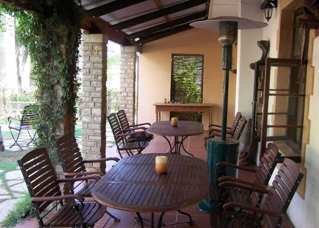 Reed Valley Inn   Accommodation   Dining Patio