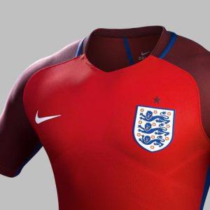 Inghilterra, maglia rossa 2016 di Nike (3)