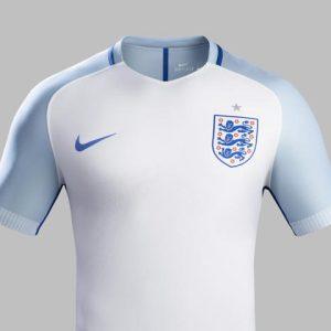 Inghilterra, maglia 2016 di Nike (2)
