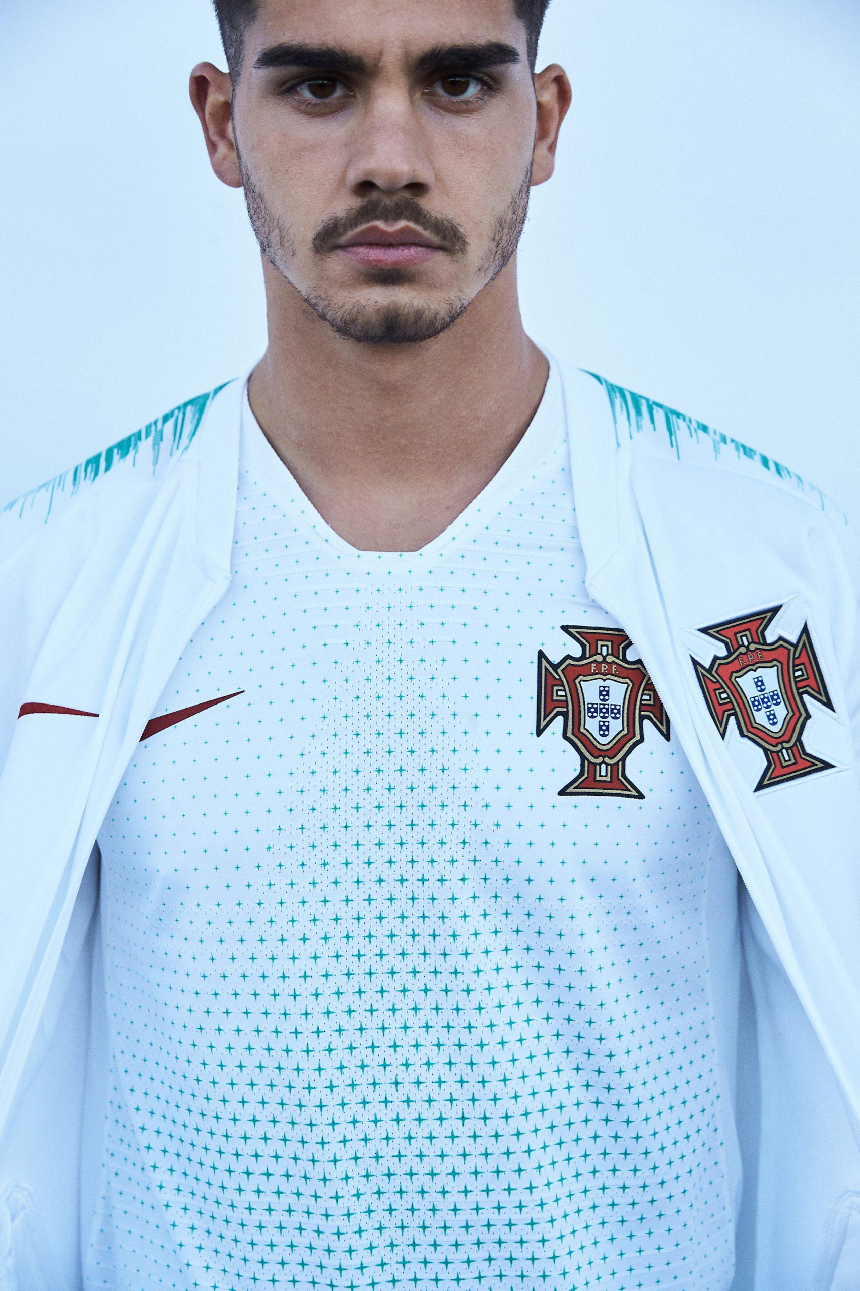 L'away del Portogallo con Nike nel 2018 | numerosette.eu