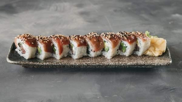 Amami Sushi Maguro Uramaki
