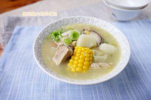 今日熱門文章:雜菜雞肉馬鈴薯湯-燴飯-天然澱粉不勾芡