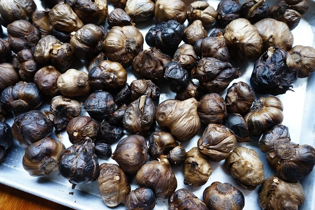 發酵蒜頭,自製黑蒜,蜜餞蒜頭,電子鍋蒜頭,黑蒜,黑蒜頭