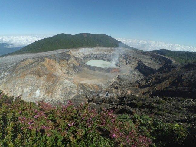 amandaricks.com/atop-volcano-poas/