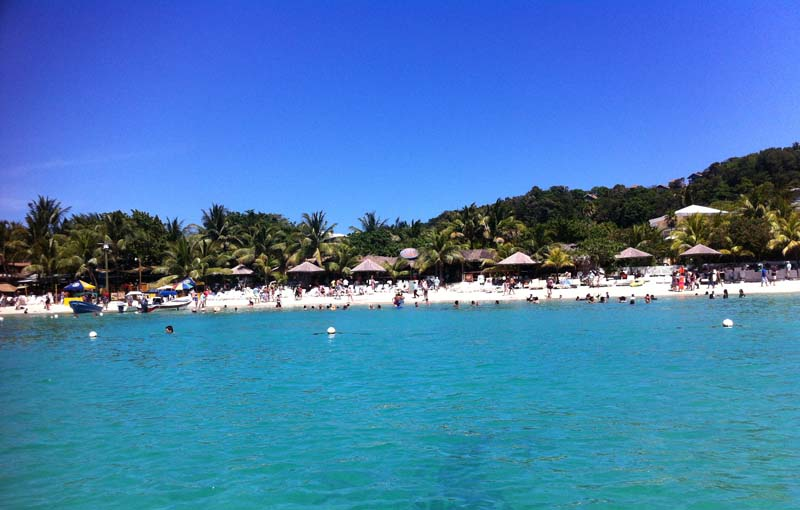 beachfront hotel Roatan