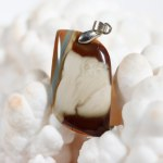 Modèle 1 de pendentif en jaspe polychrome