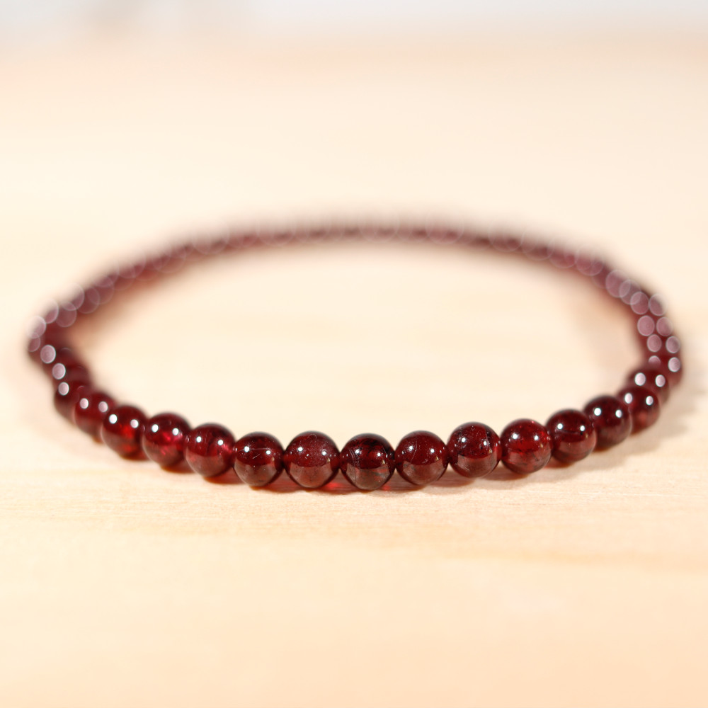 Bracelet en grenat almandin, perles en 4 mm