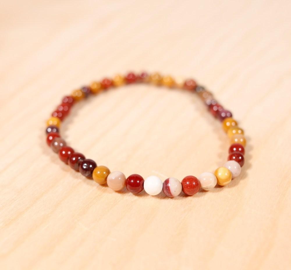 Bracelet en jaspe mokaïte, 4 mm