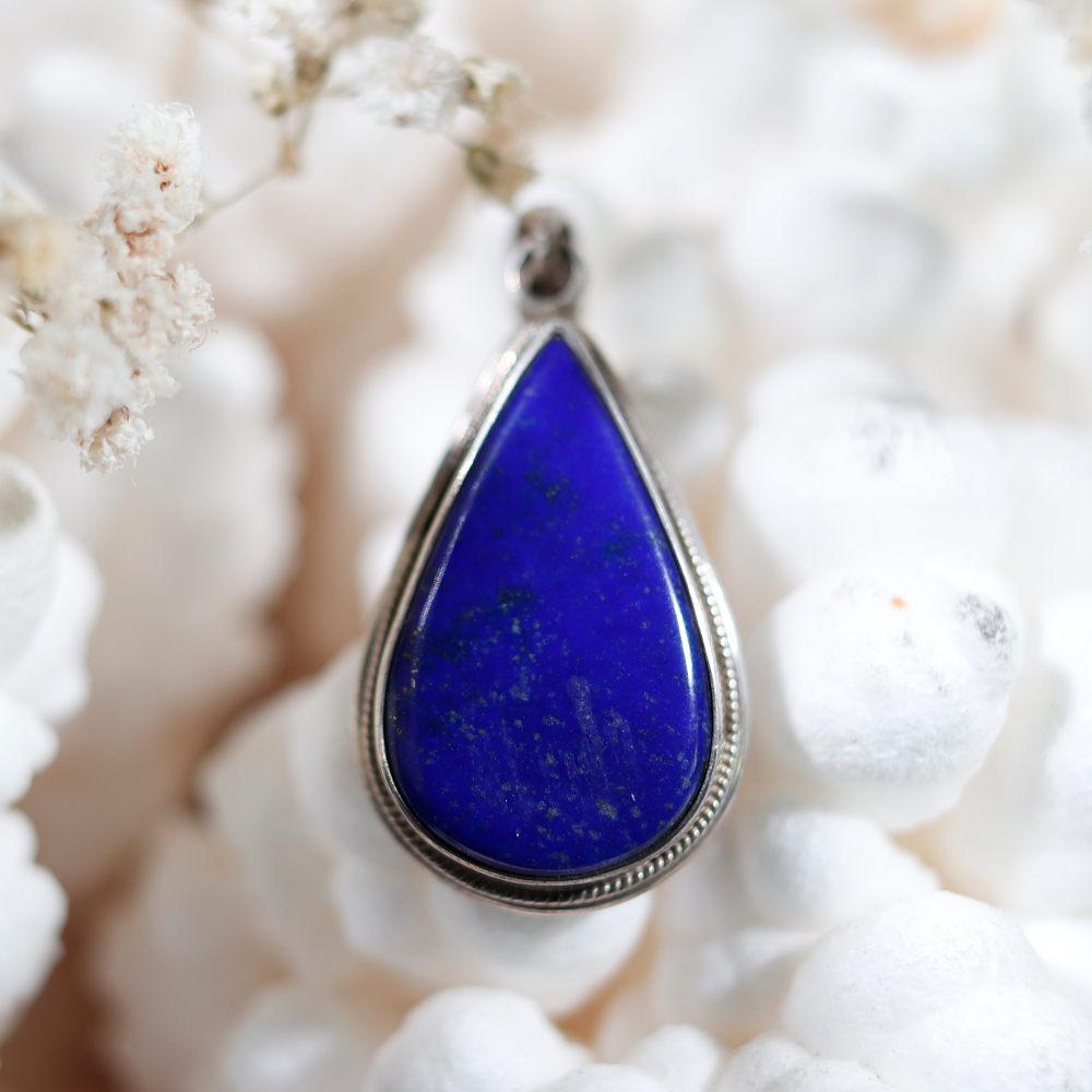 Modèle 1 de pendentif en lapis-lazuli