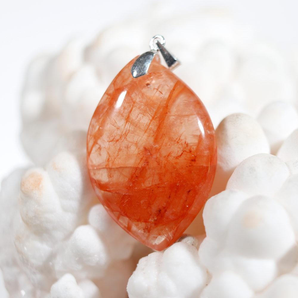 Modèle 2 de pendentif en quartz hématoïde