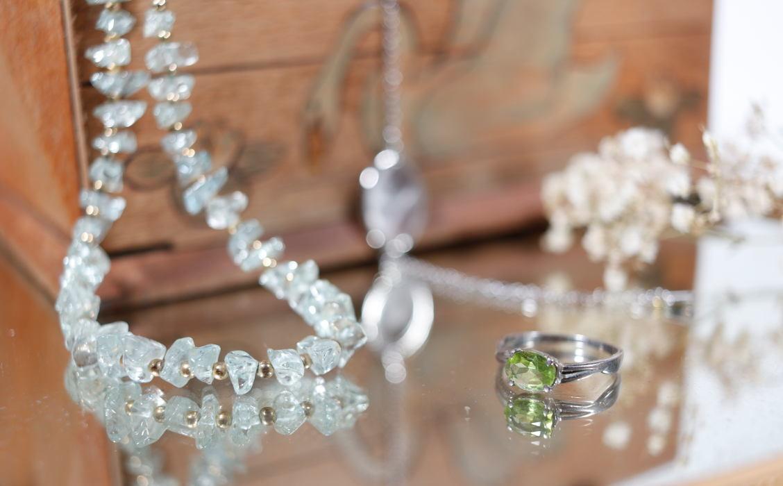 Bijoux en minéraux