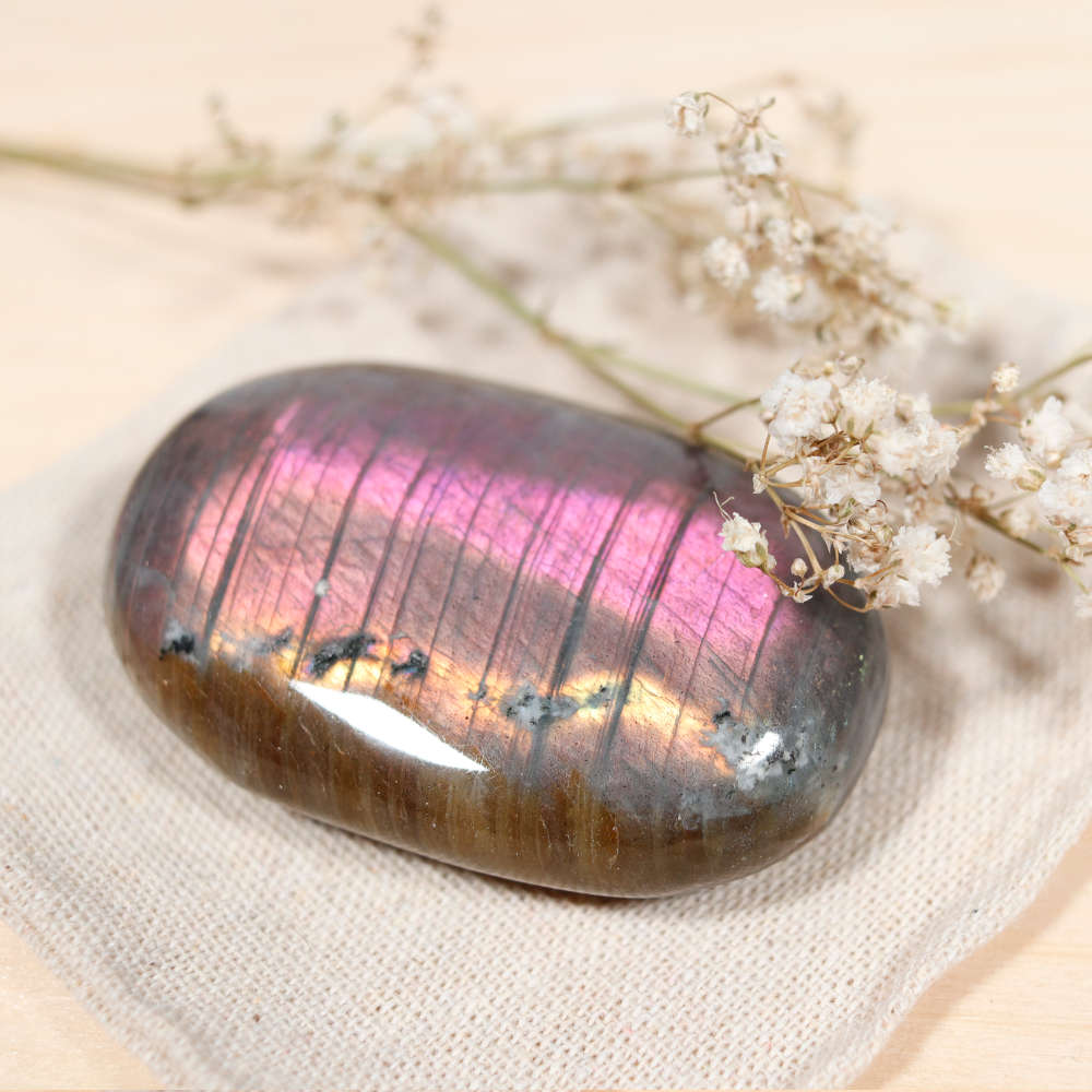 Sélection de galet en labradorite violette
