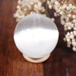 Sélection de sphère en sélénite, modèle 2
