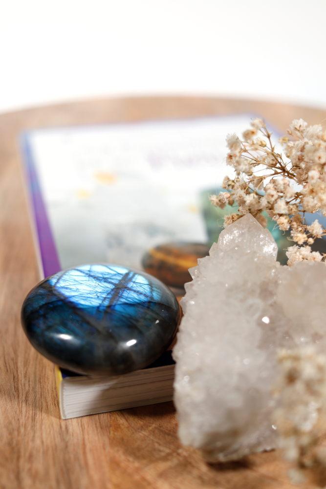 Livre La protection par les pierres