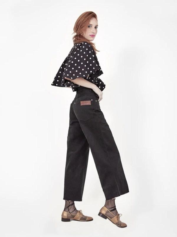 jeans pantalona preta