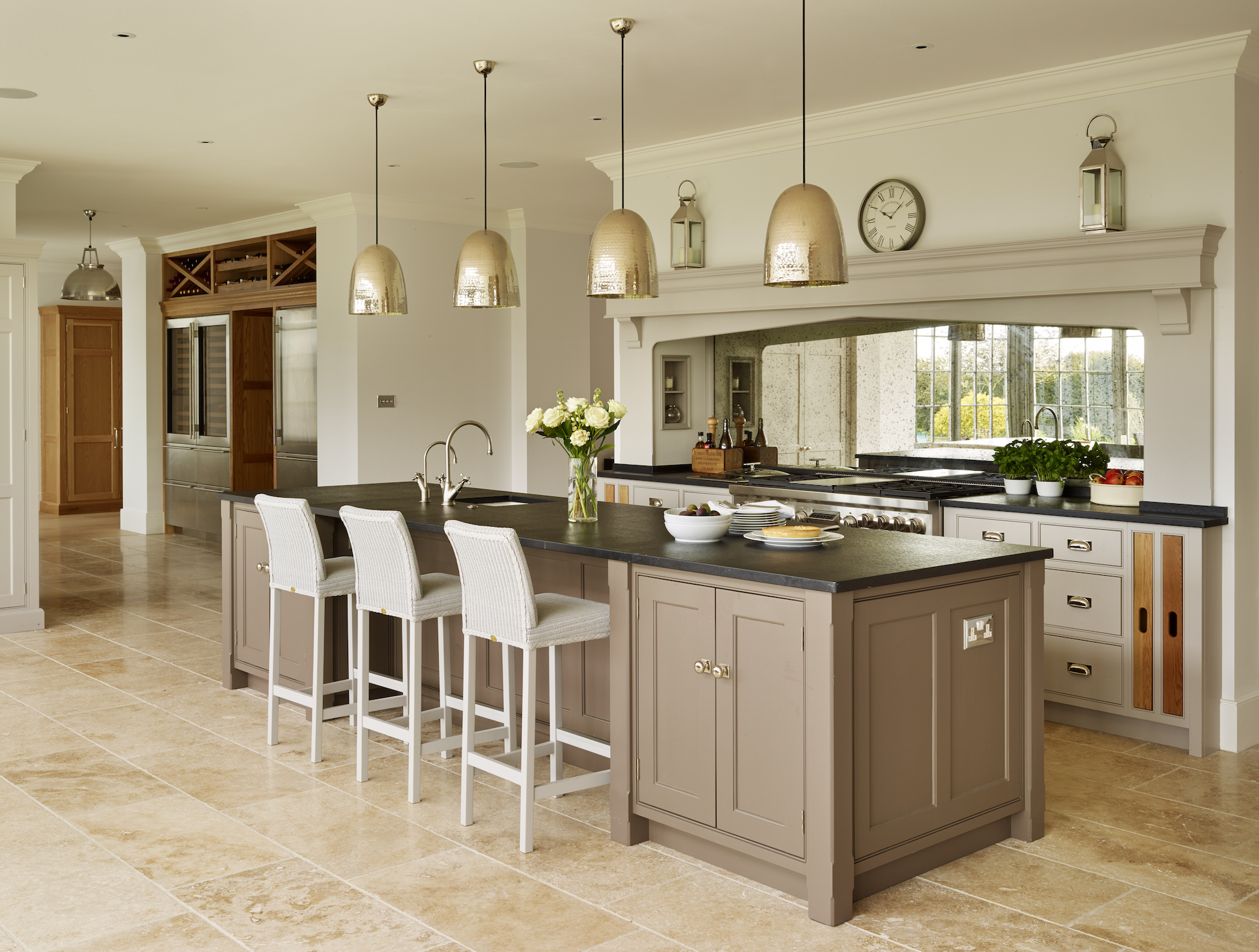 66 Beautiful Kitchen Design Ideas For The Heart Of Your Home on Modern Kitchen Decorations  id=99147