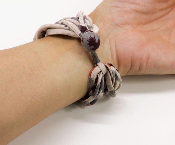 Joyería Barcelona. brazalete textil. seda kimono japonés. trenzada. artesanía. silk woven bracelet