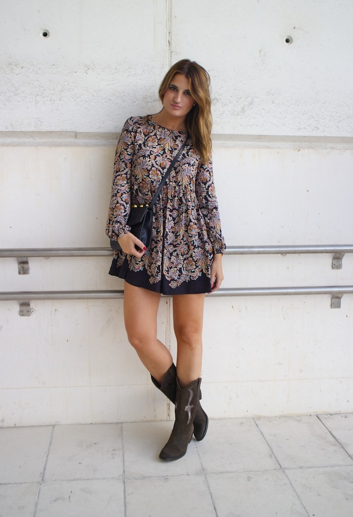 flower dress hakei boots amaras la moda