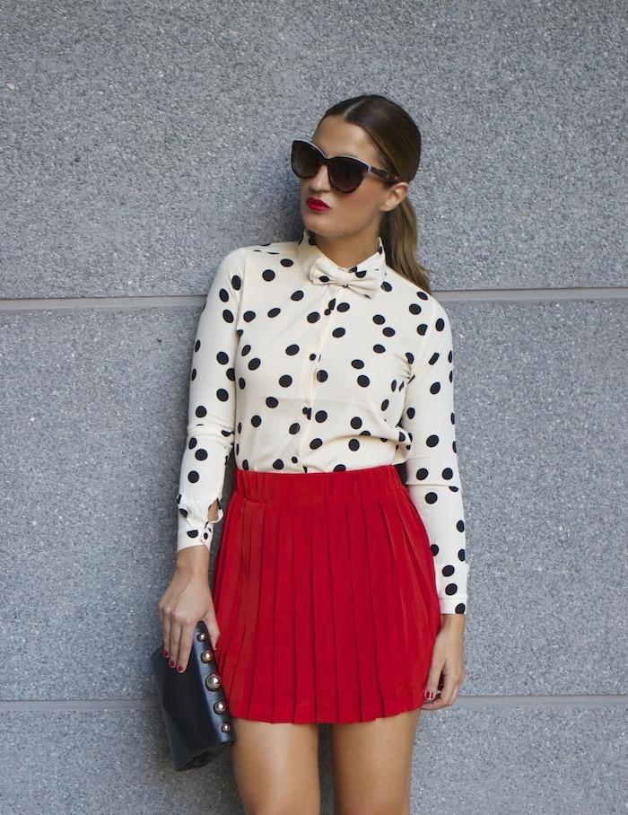 falda plisada camisa corazones compañia fantastica amaras la moda chloe borel zapatos 2
