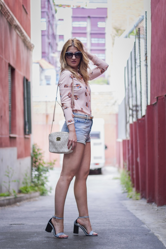 amaras la moda floral shirt fashion pills michael kors bag 3