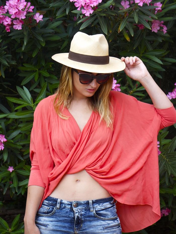 beach outfit amaras la moda  panama hat