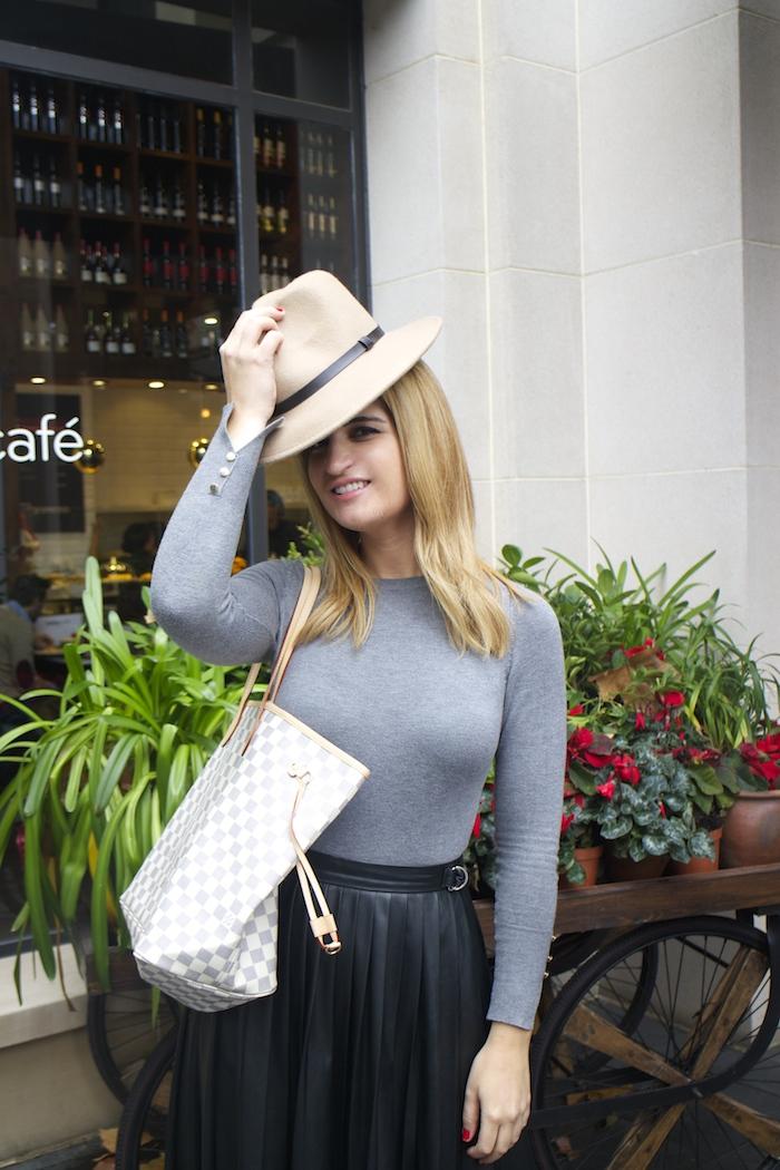 Louis vuitton bag leather skirt amaras la moda Paula Fraile5