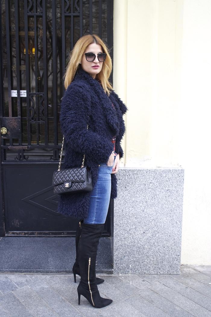 Paula Fraile amaras la moda over the knee boots la redoute shirt chanel bag.6