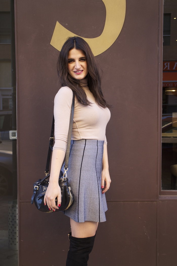 dolce and gabanna coat prada bag zara skirt over the knee boots paula fraile amaras la moda