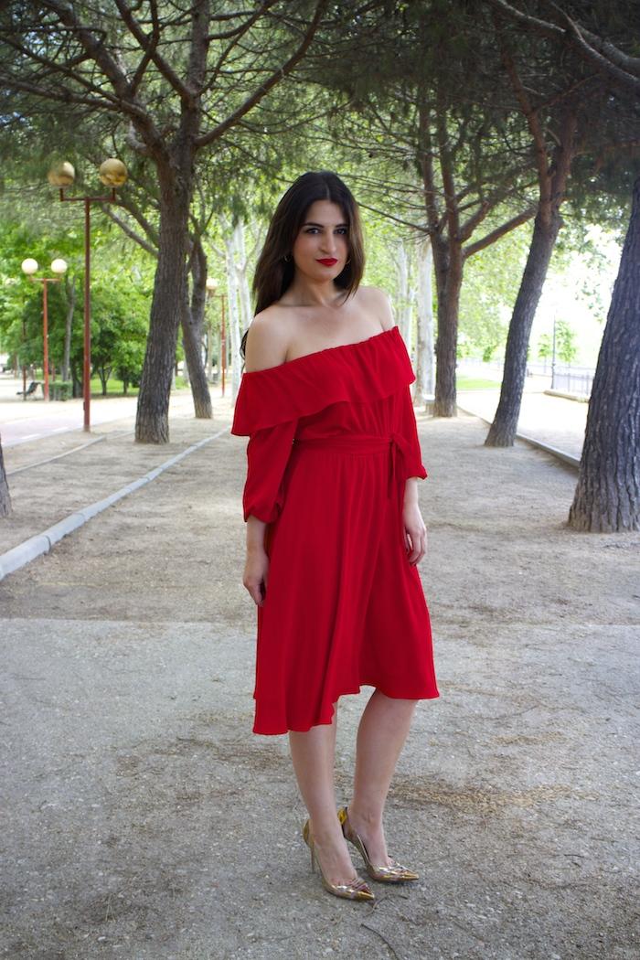 tintoretto mujer amaras la moda vestido rojo escote brigitte paula fraile stiletto sergio rossi.5