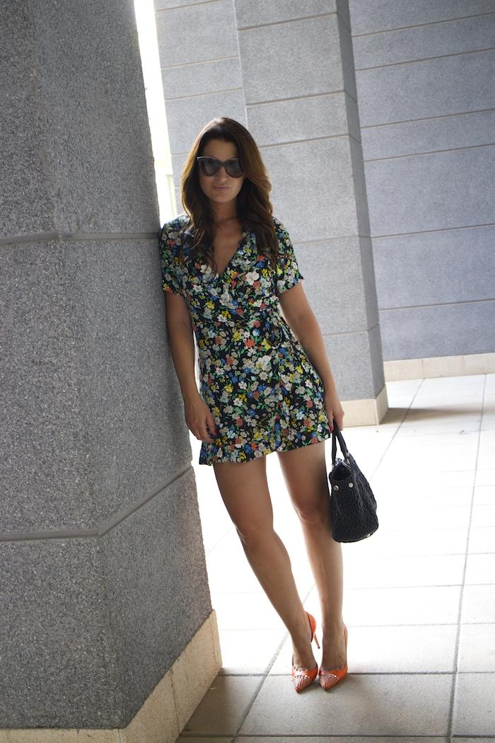 topshop flower dress amaras la moda Gucci heels Miu miu bag paula fraile