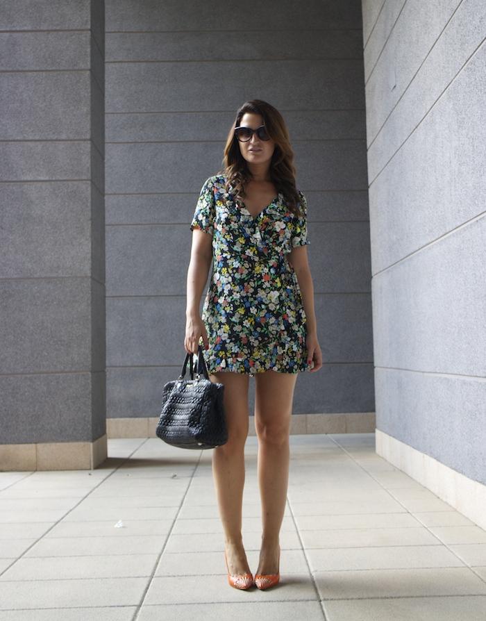 topshop flower dress amaras la moda Gucci heels Miu miu bag paula fraile8