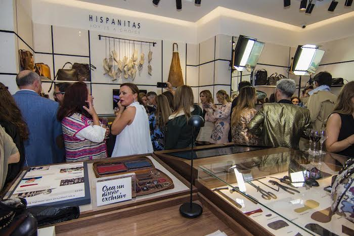 inauguracion-flagship-store-hispanitas-amaras-la-moda-paula-fraile13