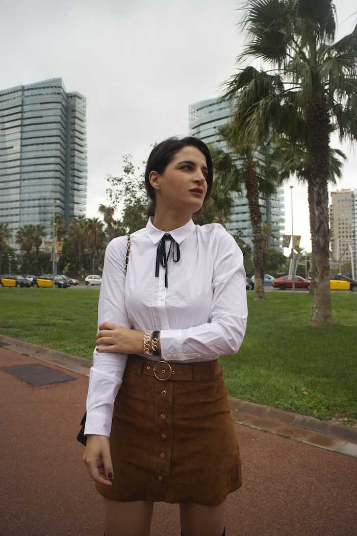 barcelona-embajadora-pulseras-the-rubz-over-the-knee-boots-camisa-la-redoute-amaras-la-moda-paula-fraile3