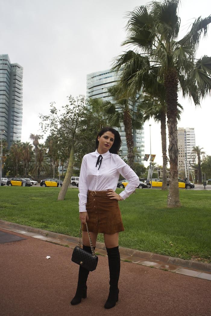barcelona-embajadora-pulseras-the-rubz-over-the-knee-boots-camisa-la-redoute-amaras-la-moda-paula-fraile8
