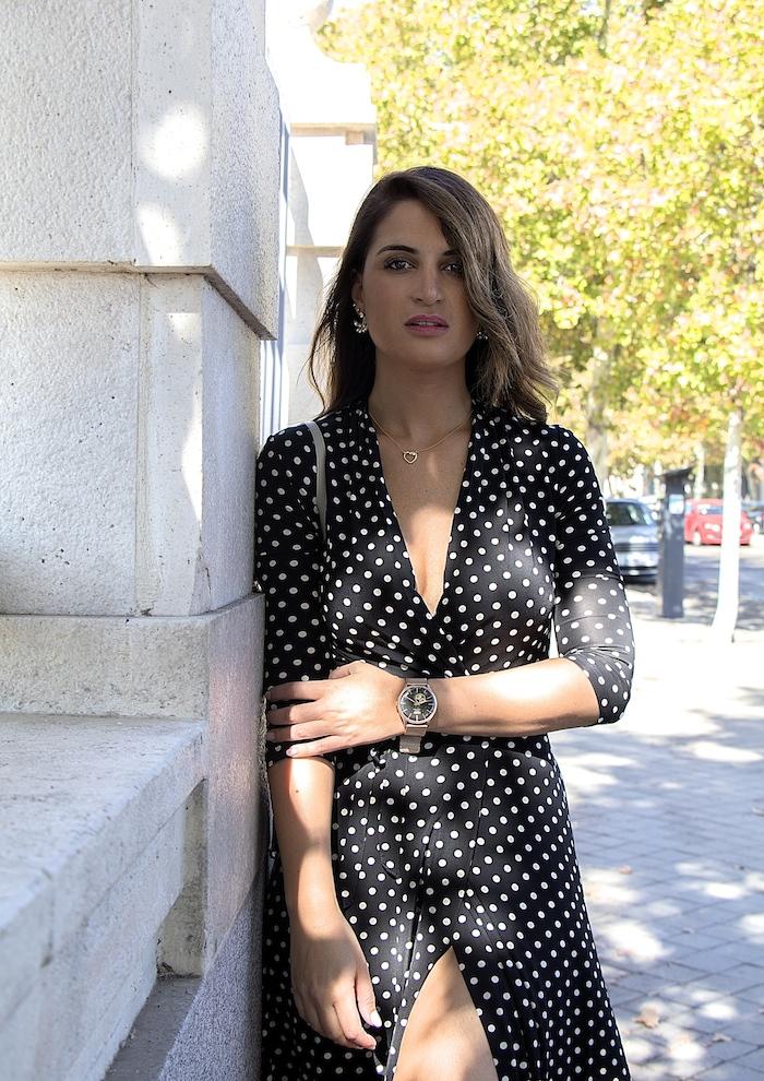 reloj henry london vestido dolores promesas paula fraile amaras la moda Nicholas Kirkwood