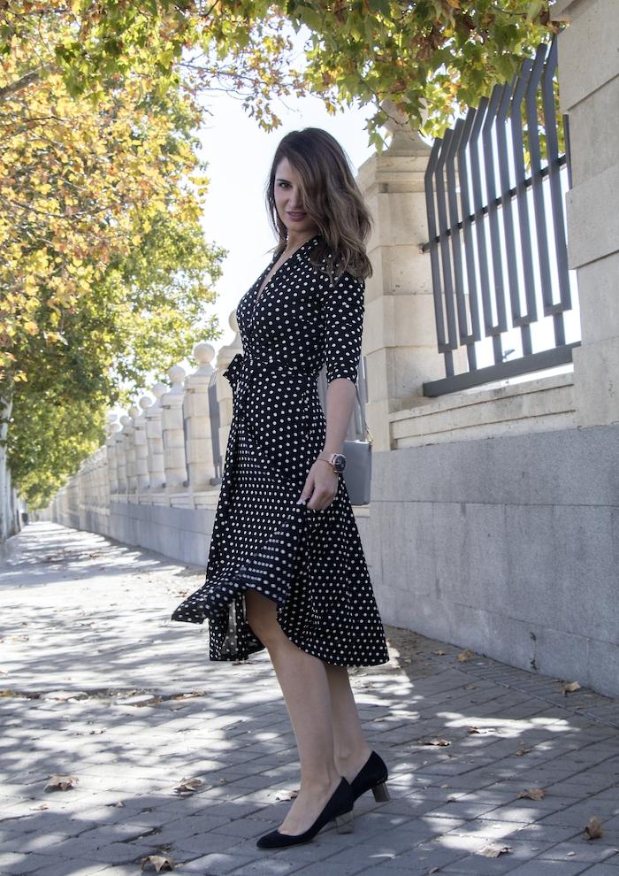 reloj henry london vestido dolores promesas paula fraile amaras la moda Nicholas Kirkwood5