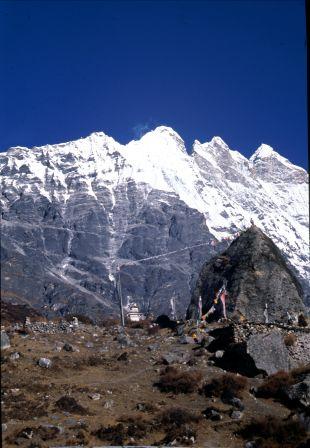Mountain view at Kyangjin Gompa
