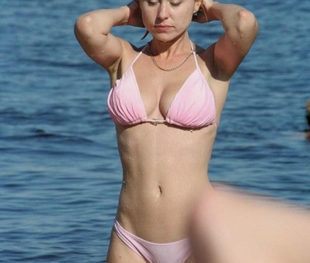 Wet Sexy Beach Voyeur Pic Of Hot Cameltoe In Pink Bikini
