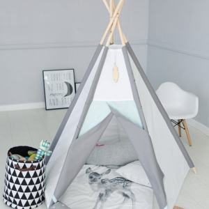 A perfect hideaway for tiny people, the Frosty Plain Children's Play Teepee gives your little one the space they need to let their imagination flow.